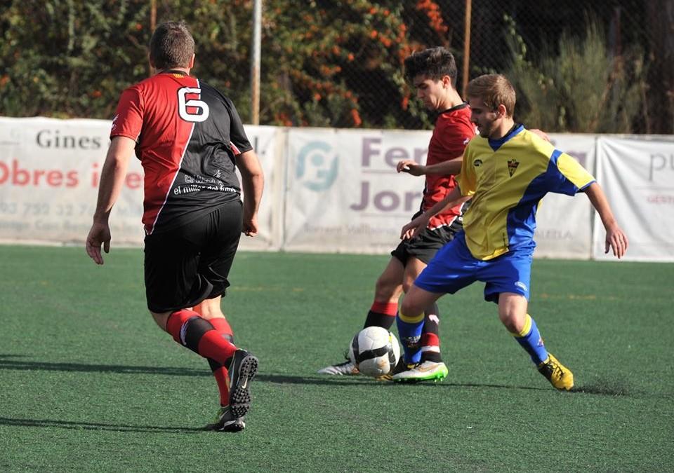 El nou cos tècnic incorpora quatre jugadors al primer equip