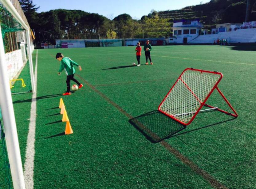 Com treballen els porters al Club de Futbol Alella?