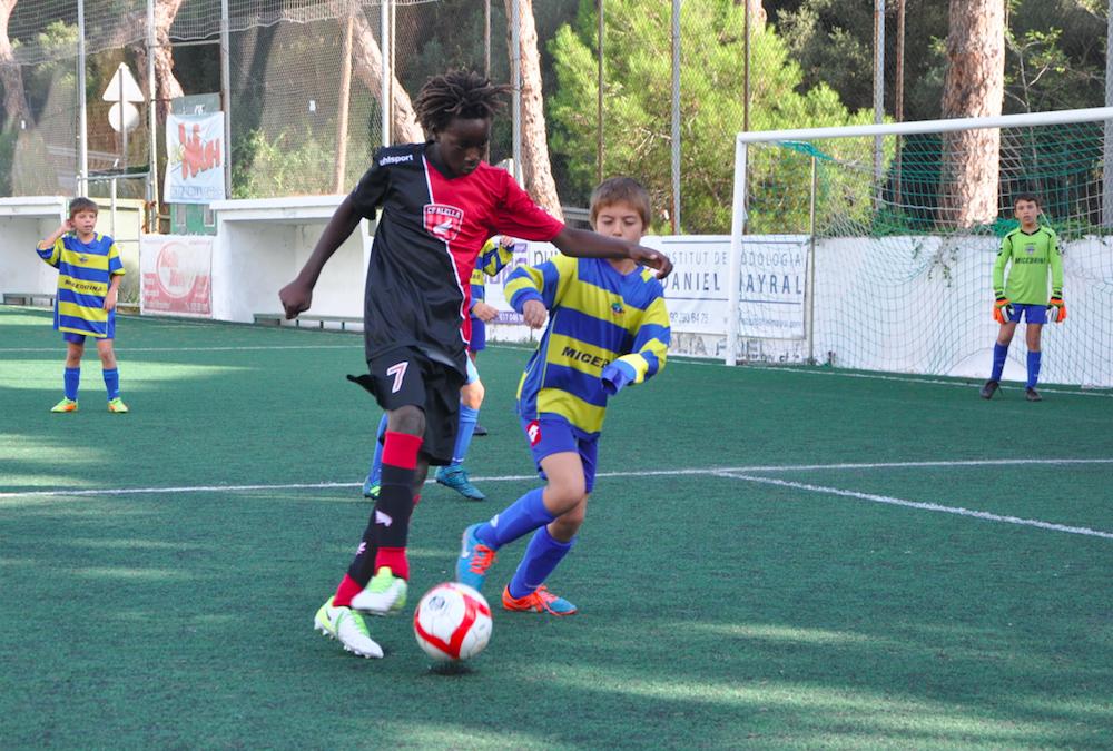 Igual que Messi: Ousmane, Unay i Max van a ritme de hat-trick